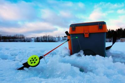Необычная, но эффективная зимняя рыбалка вертолетом