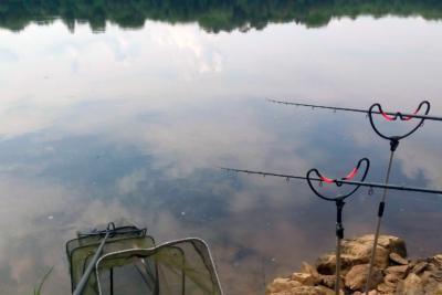 Тонкости монтажа фидерной оснастки для ловли на течении