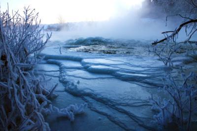 Тонкости и нюансы ловли окуня со льда на малых водоемах